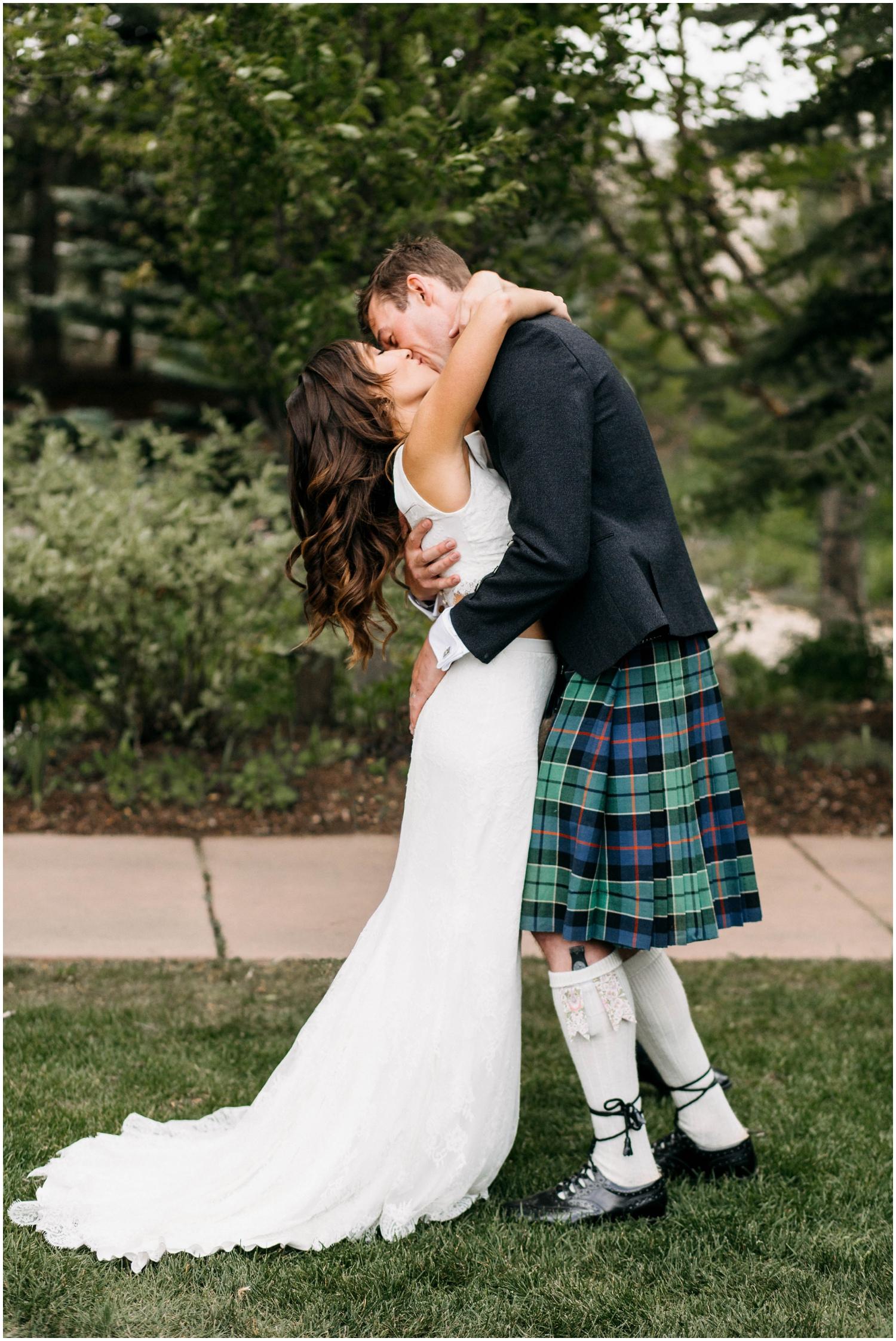 Courtney+Jamie_modern_vail_village_wedding_colorado_taylor_powers_0082.jpg