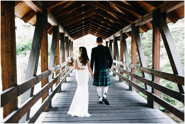Courtney+Jamie_modern_vail_village_wedding_colorado_taylor_powers_0091.jpg