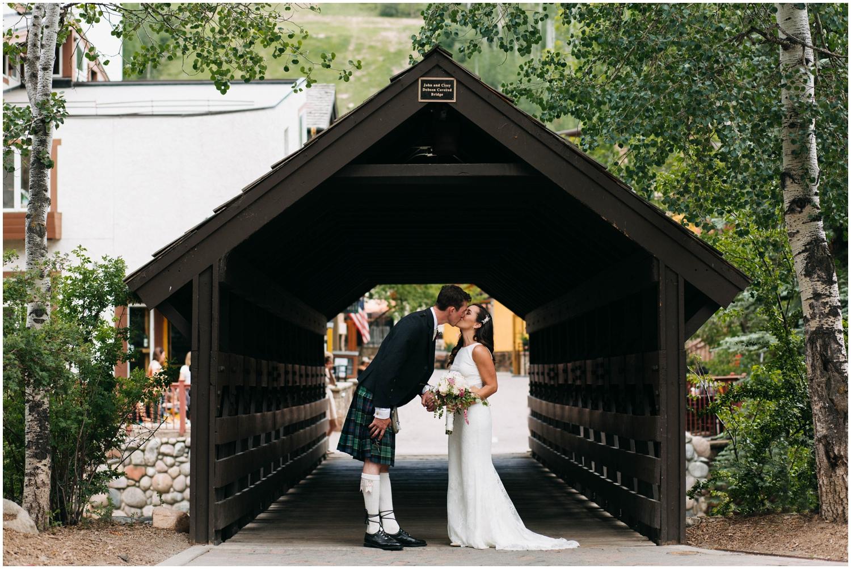 Courtney+Jamie_modern_vail_village_wedding_colorado_taylor_powers_0096.jpg
