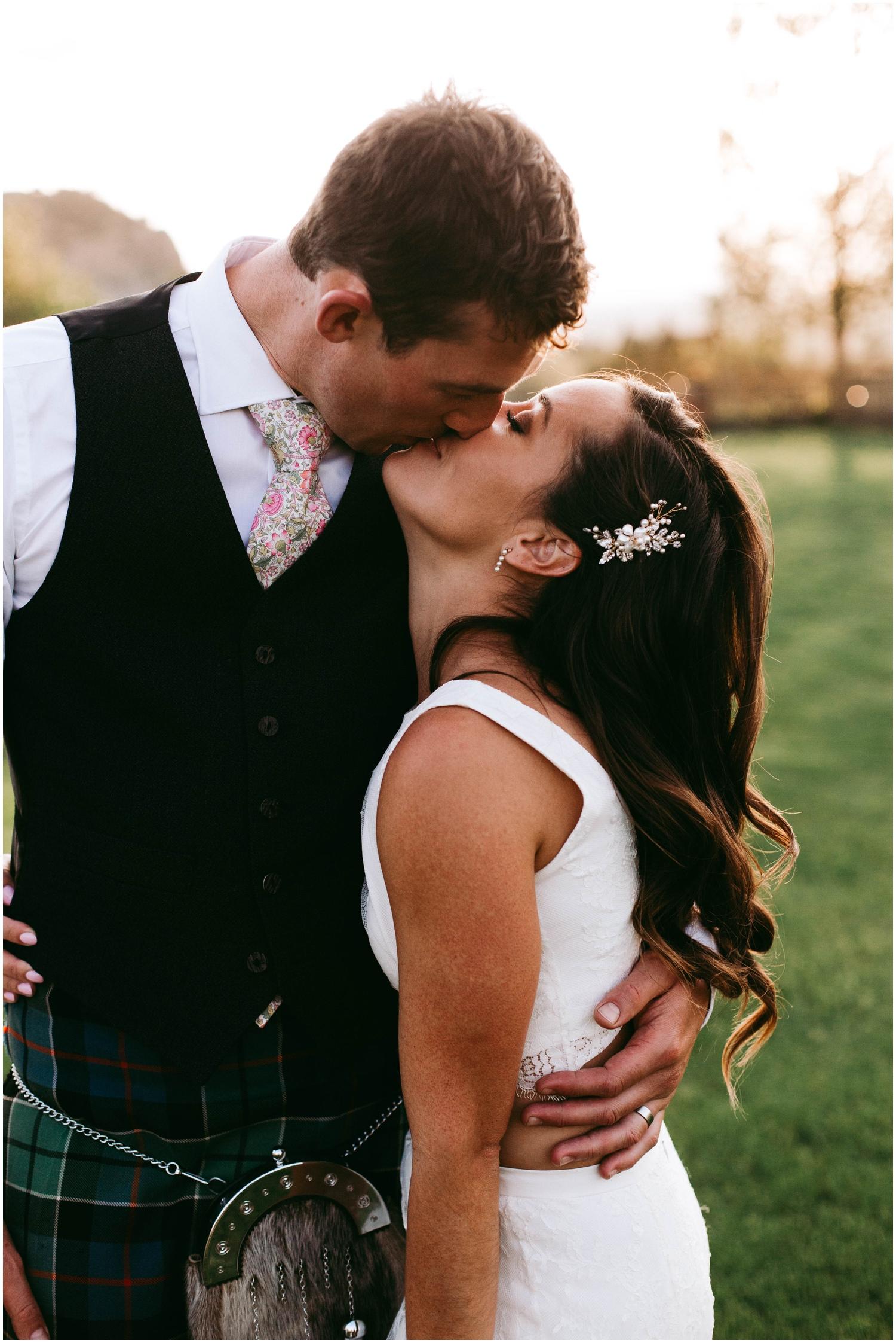 Courtney+Jamie_modern_vail_village_wedding_colorado_taylor_powers_0138.jpg