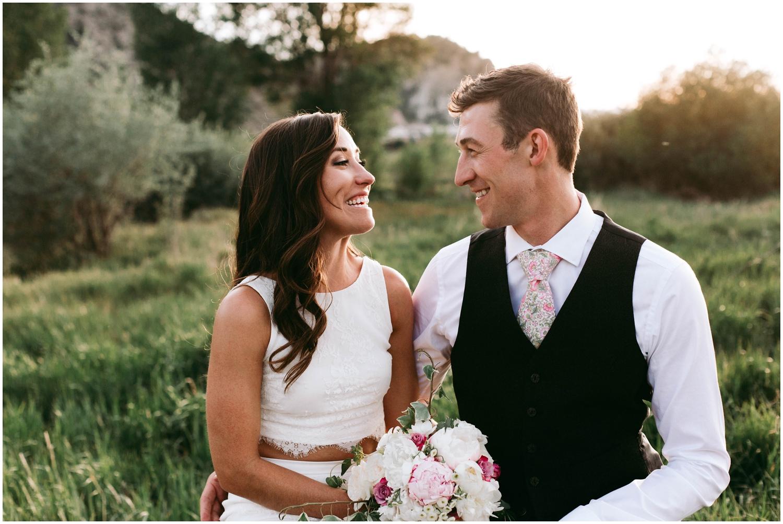 Courtney+Jamie_modern_vail_village_wedding_colorado_taylor_powers_0140.jpg