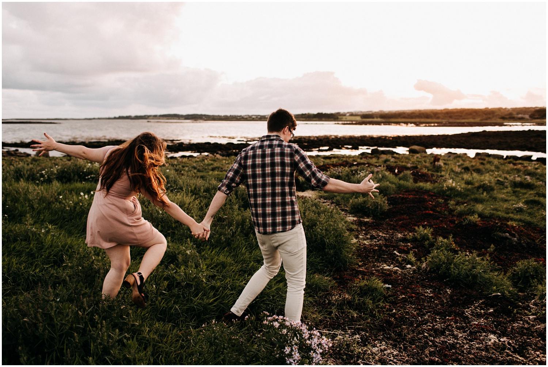 ireland_engagement_adventure_session_irish_couple_international_photographer_taylor_powers__0045.jpg