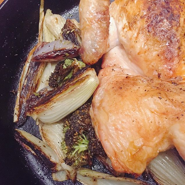 Only benefit of a chilly summer night: willing to use my oven for roasted chicken and garden veg.  #sundaysupper #roastchicken #gardenveggies #urbangarden #lodgecastiron #personalchef