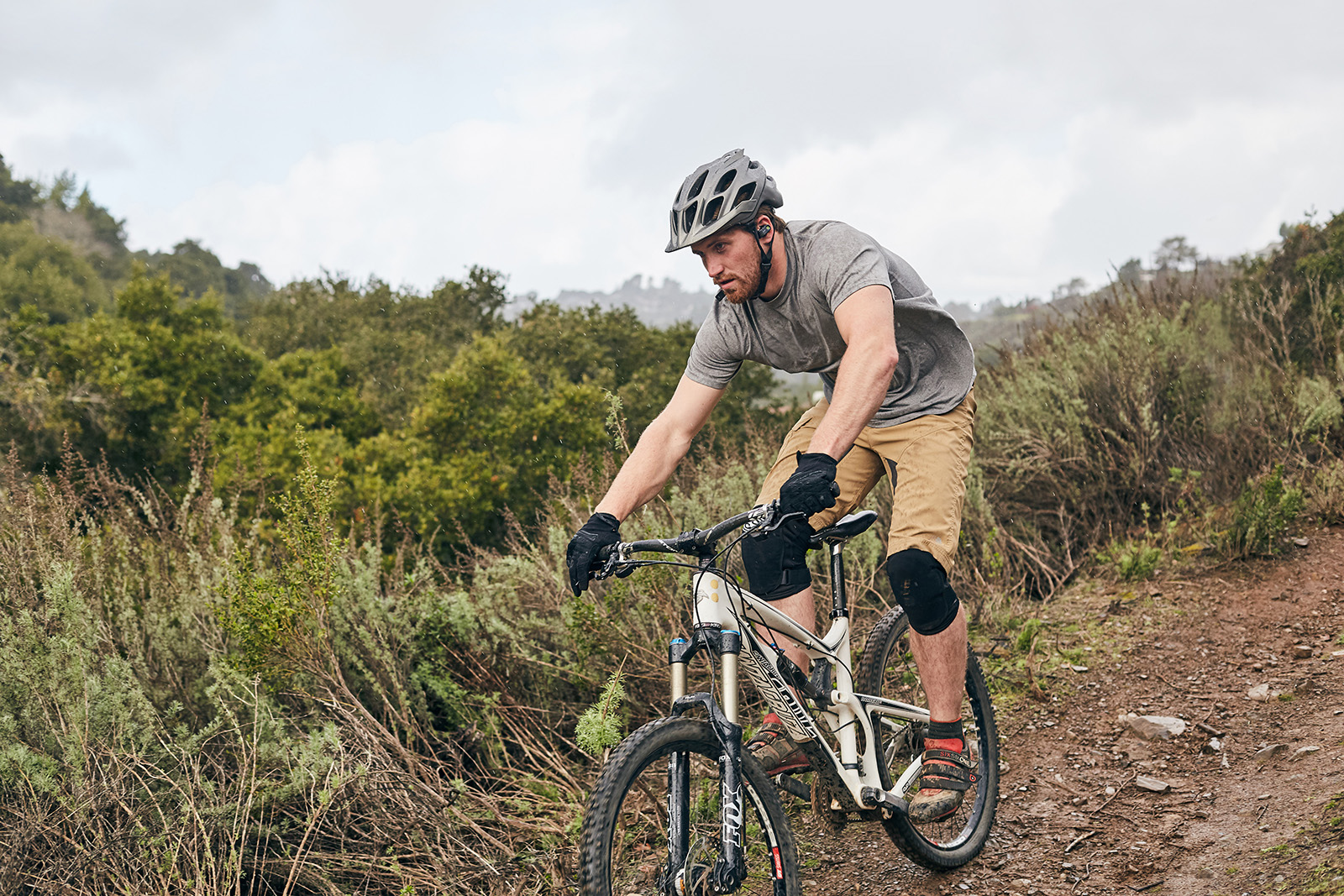 mountain-biking-surge-IMG_8867x1600.jpg