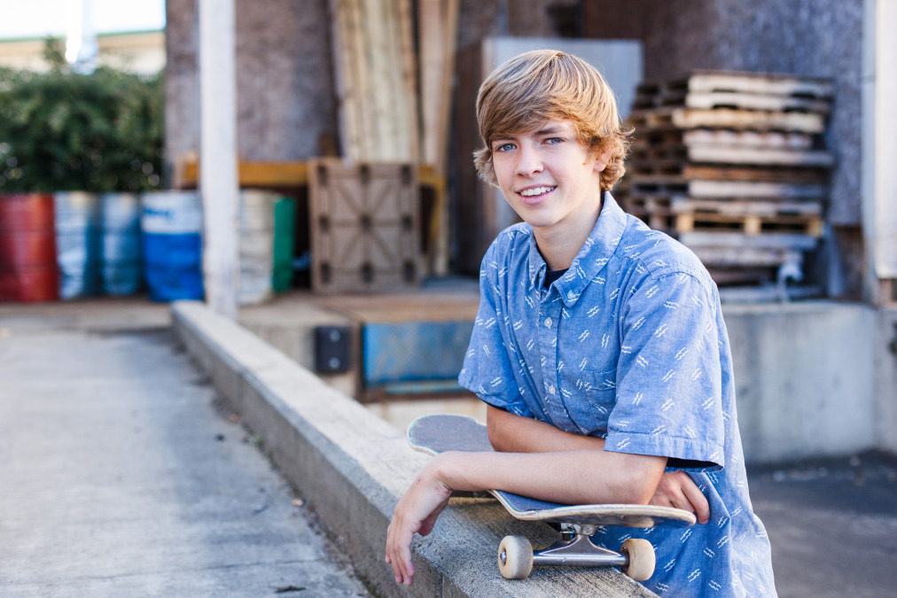 boys-Senior-portraits-seattle-spencer-wallace-photography-mukilteo-skateboard.jpg
