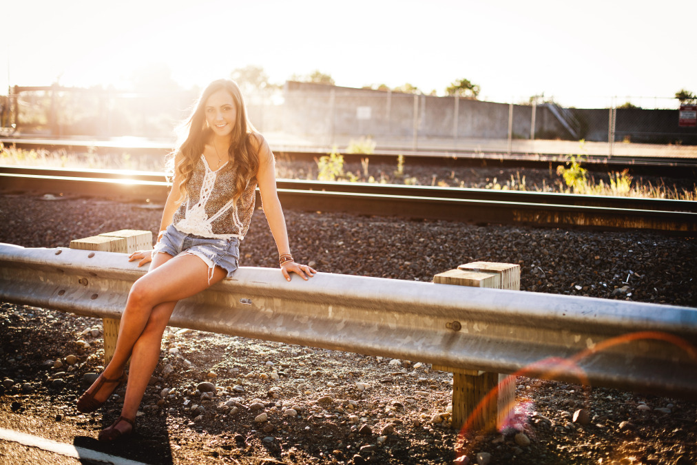 girls-Senior-portraits-seattle-spencer-wallace-photography-sun.jpg