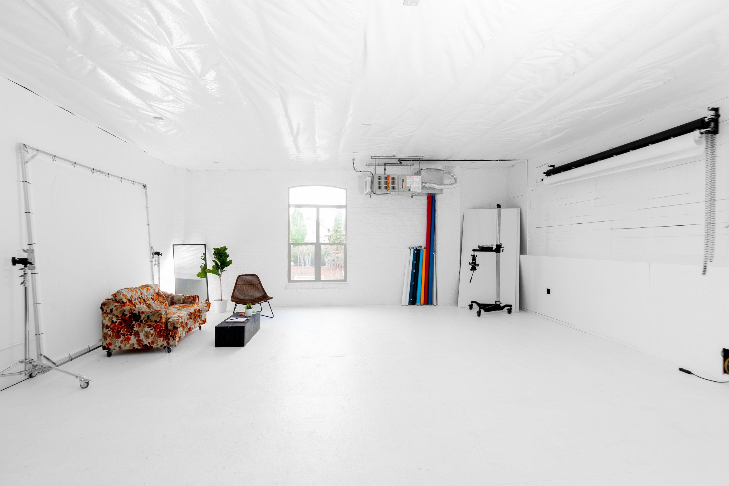 spencer wallace photo studio rental video-1.jpg