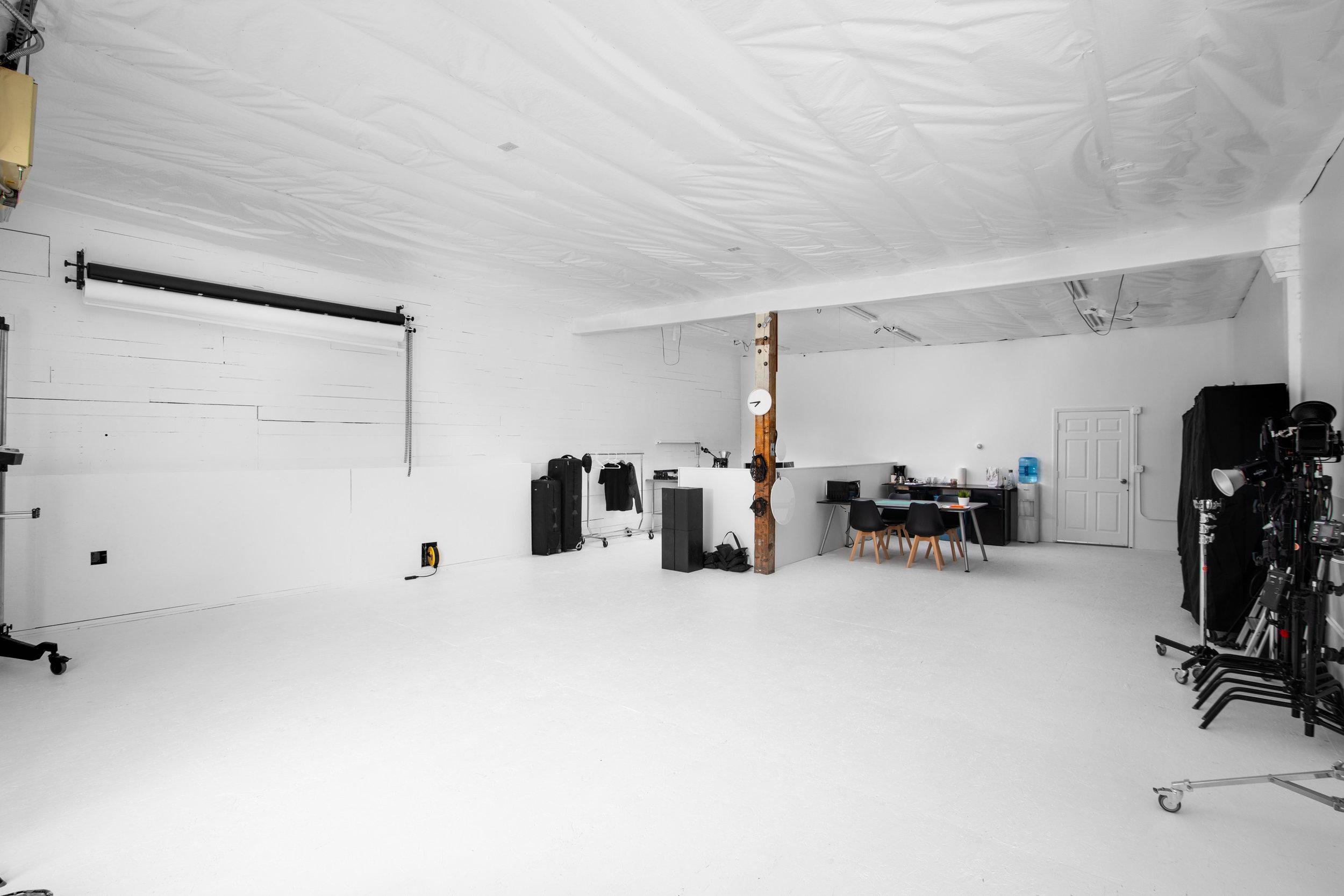 spencer wallace photo studio rental video-2.jpg