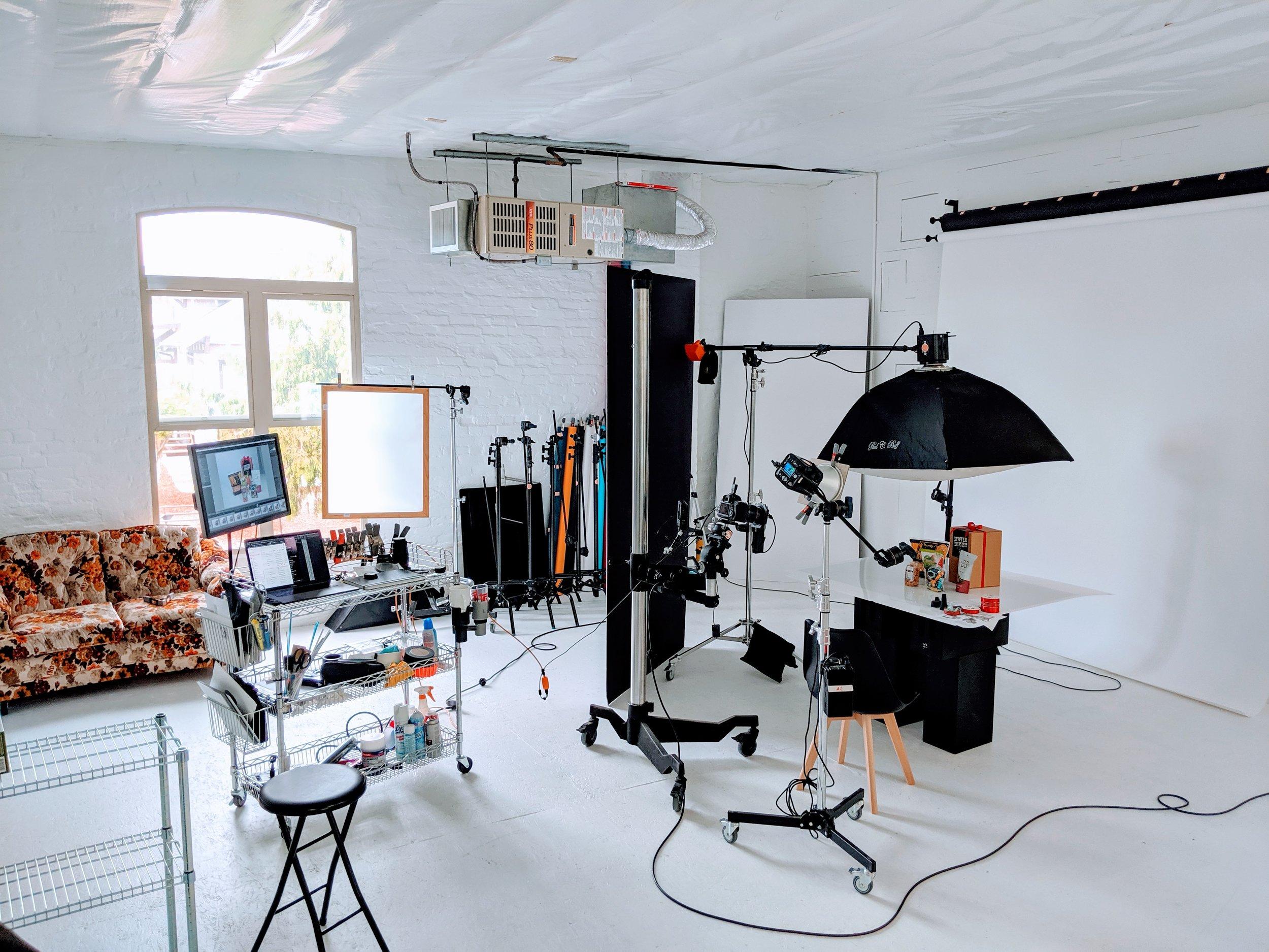 Everett-Snohimsh-photo-video-rental-studio-1.jpg