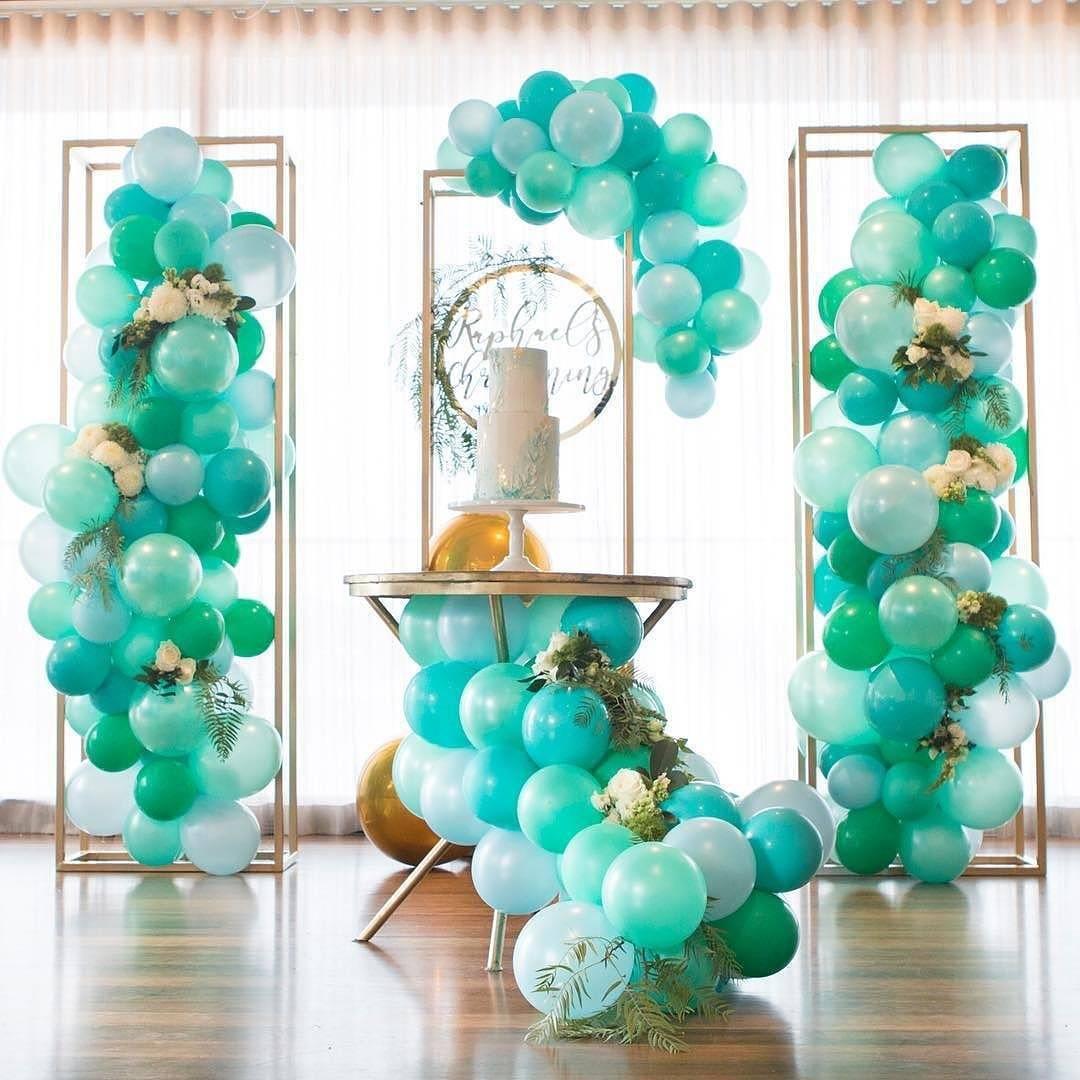 green-balloons.jpg