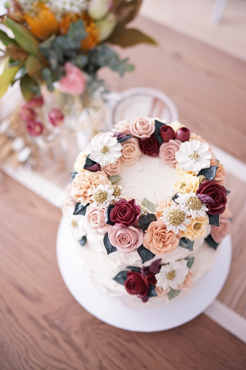 Photos by  Incredible Flower Cakes