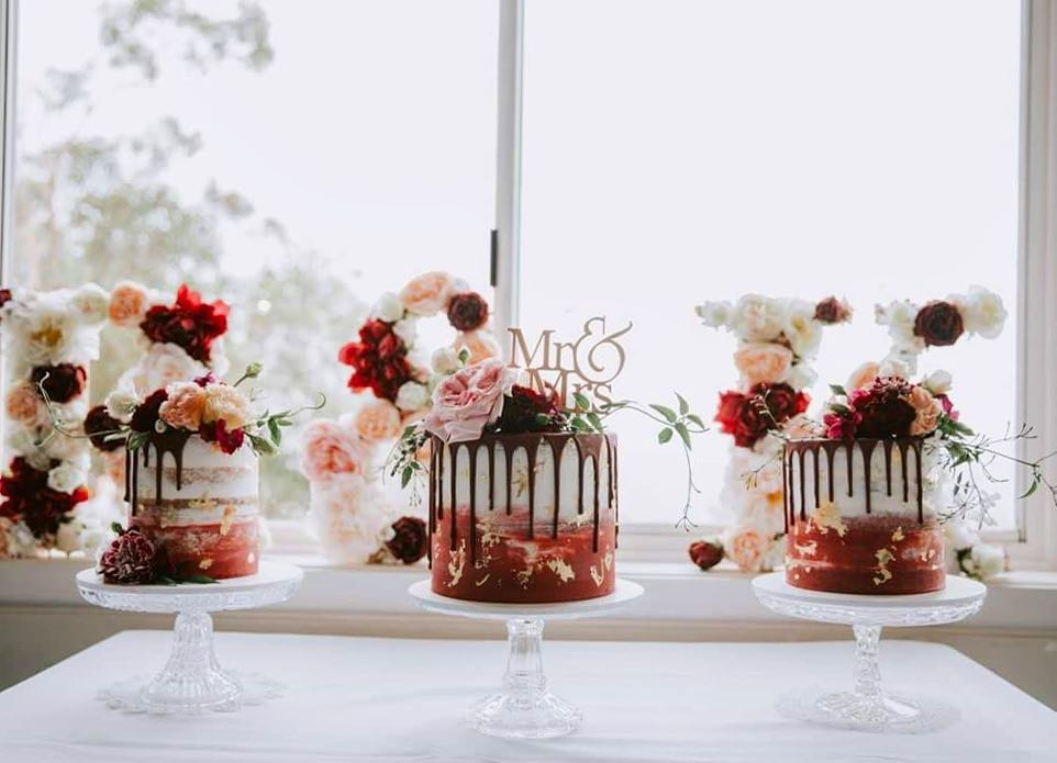 Photos by  Ivy & Stone Cake Design