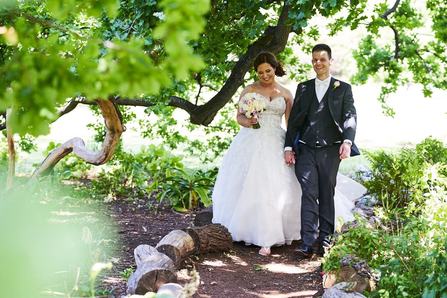 bride and groom carrick hill adelaide