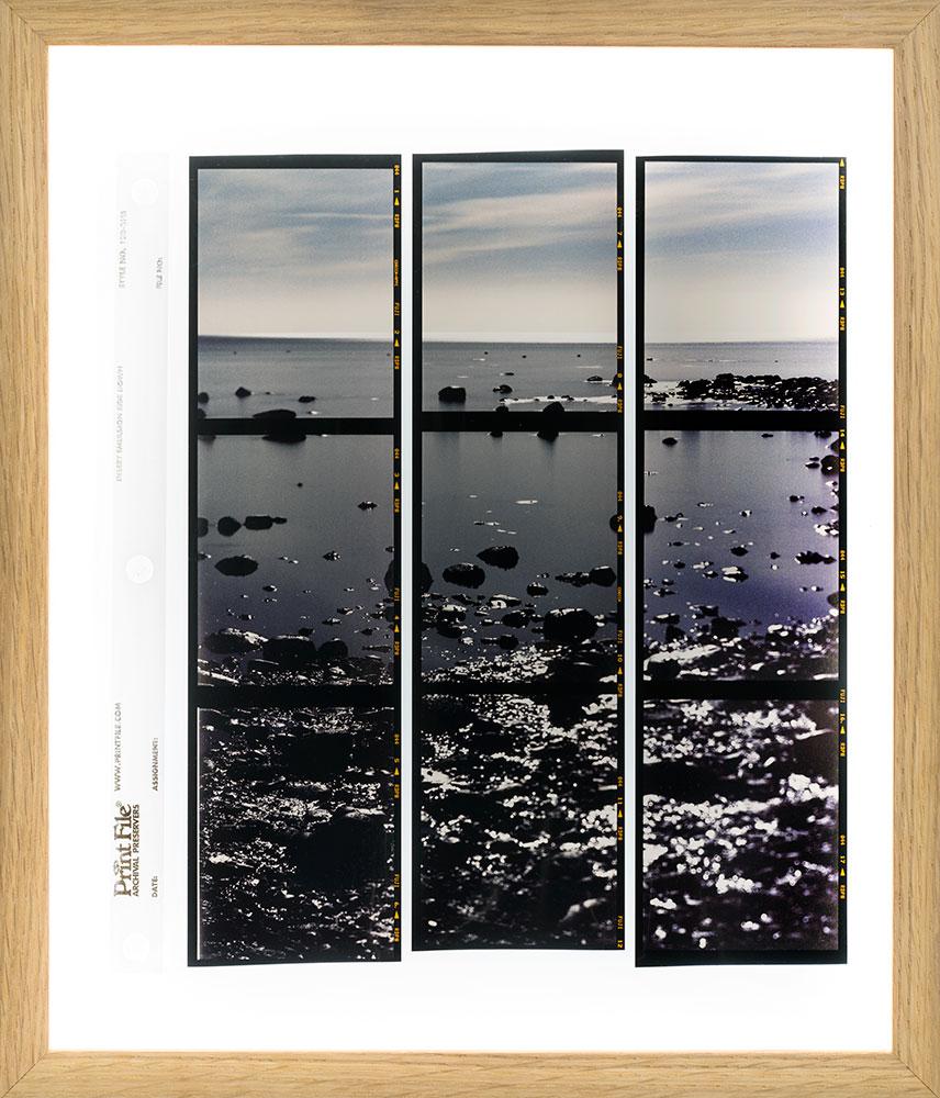 Apparition VIII  4/8  Copy slides in film storage sheet in backlit frame  21,5 x 26,5 cm  2018