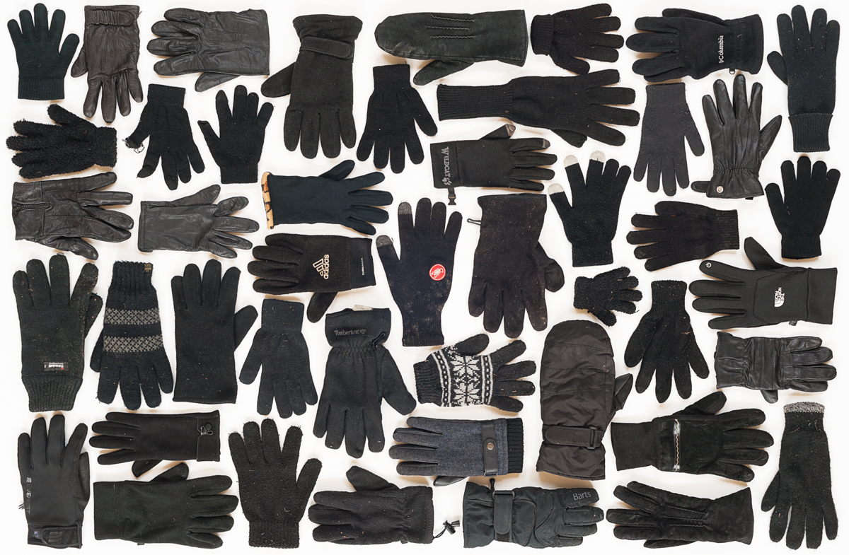lost and found black gloves (1 van 1).jpg