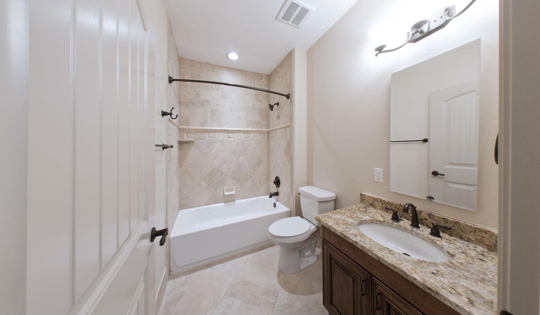 e-tuscana-5br5ba-bathroom.jpg