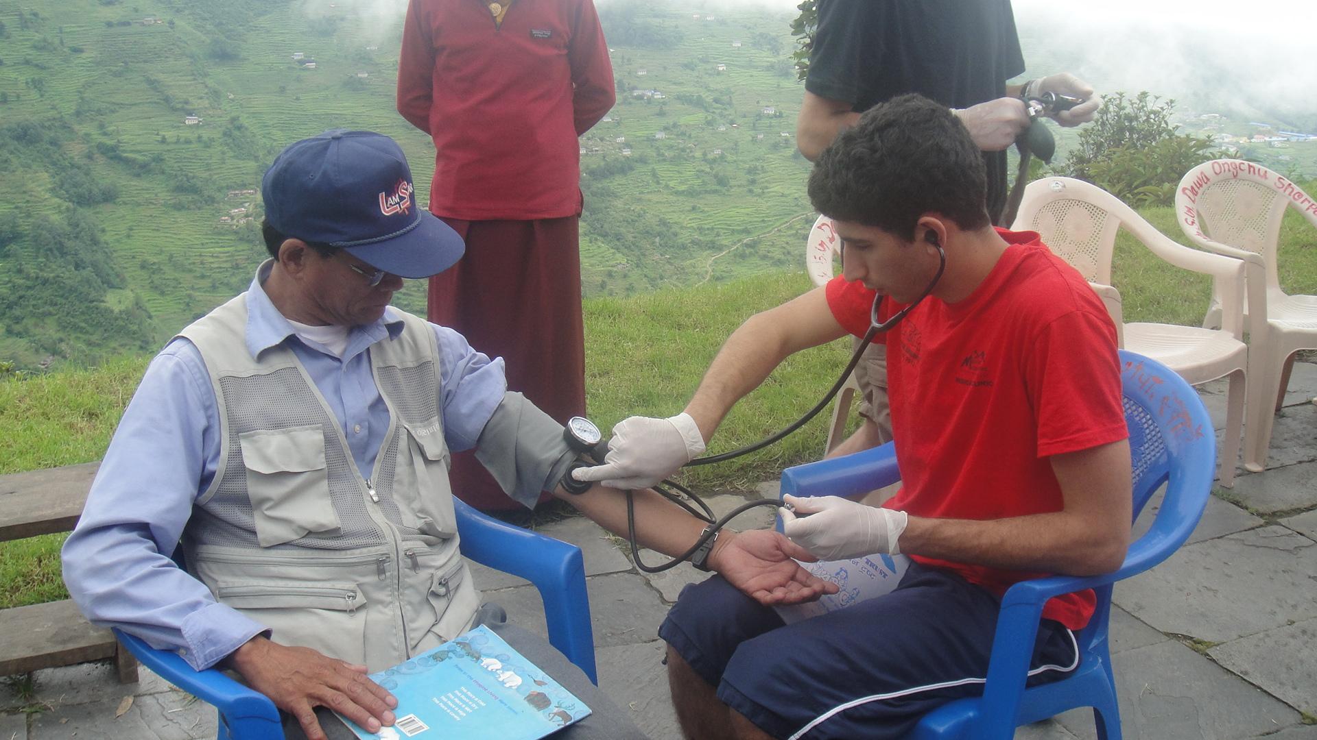 Consultation_Med_Sutdents_Adventure_Alternative_Nepal.JPG