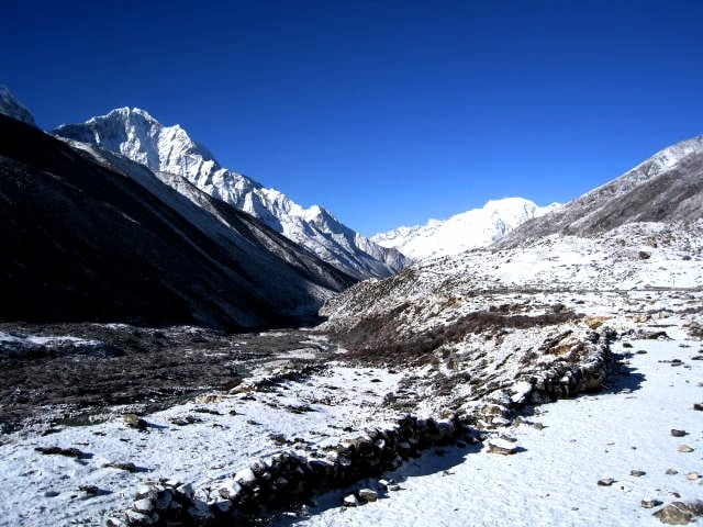 Looking up the Khumbu valley near Dingboche.