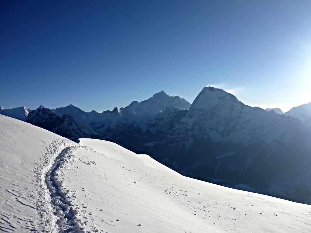 Mera Peak day trail in the snow