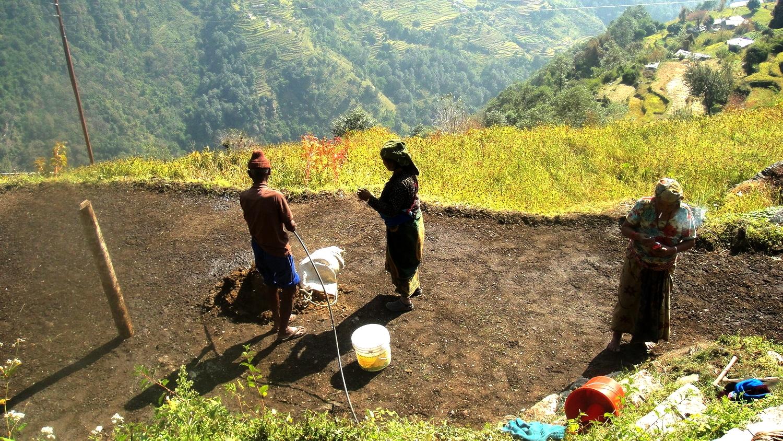 Nepali_Working_Ghorepani-Poon HIll_Trek_Adventure_Alternative_Nepal.jpg