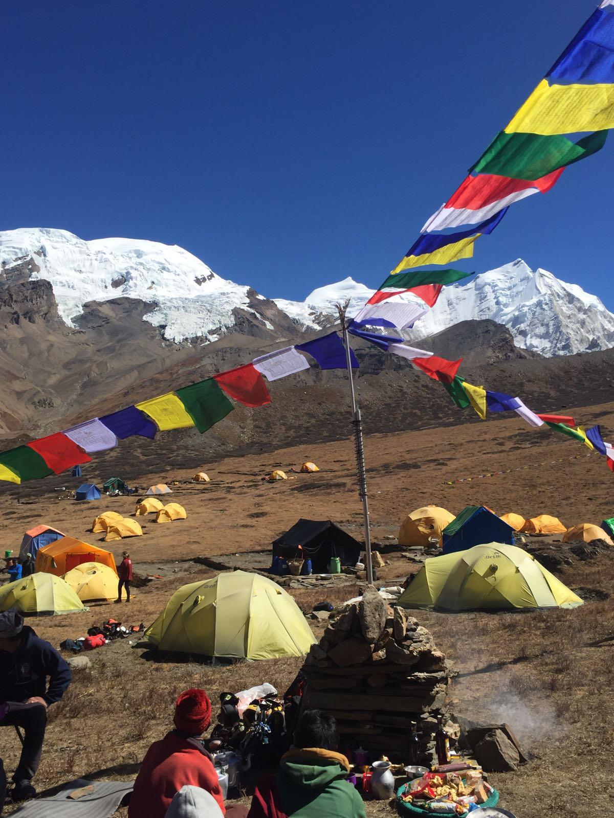 Praying flags - Himlung Himal