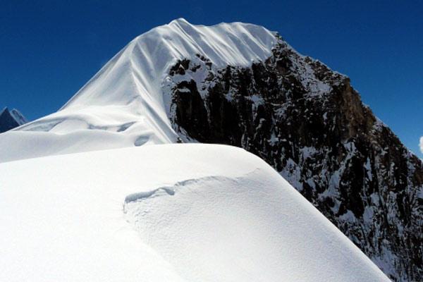 Reaching Tent Peaks ridge