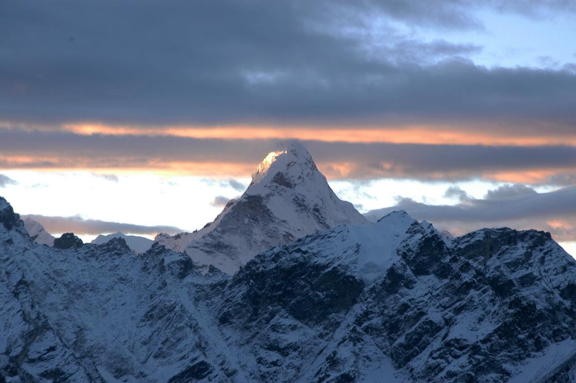 EverestGokyoLake_Mountains4_AANepal.JPG