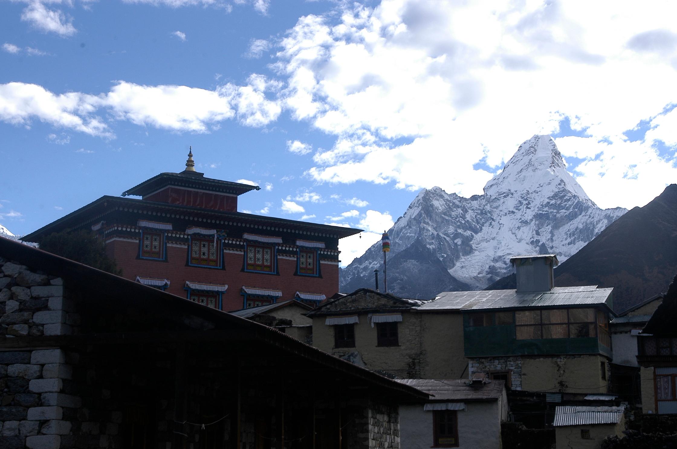 EverestGokyoLake_Village2_AANepal.JPG