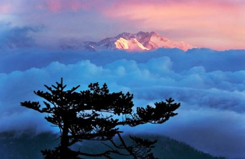 A beautiful view on the Kanchenjunga