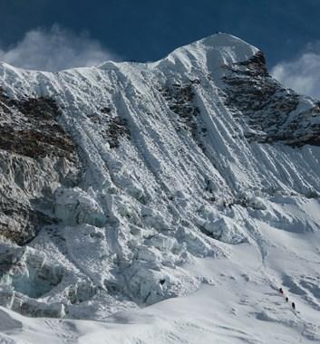 Makalu to Everest Traverse the head wall of Island Peak