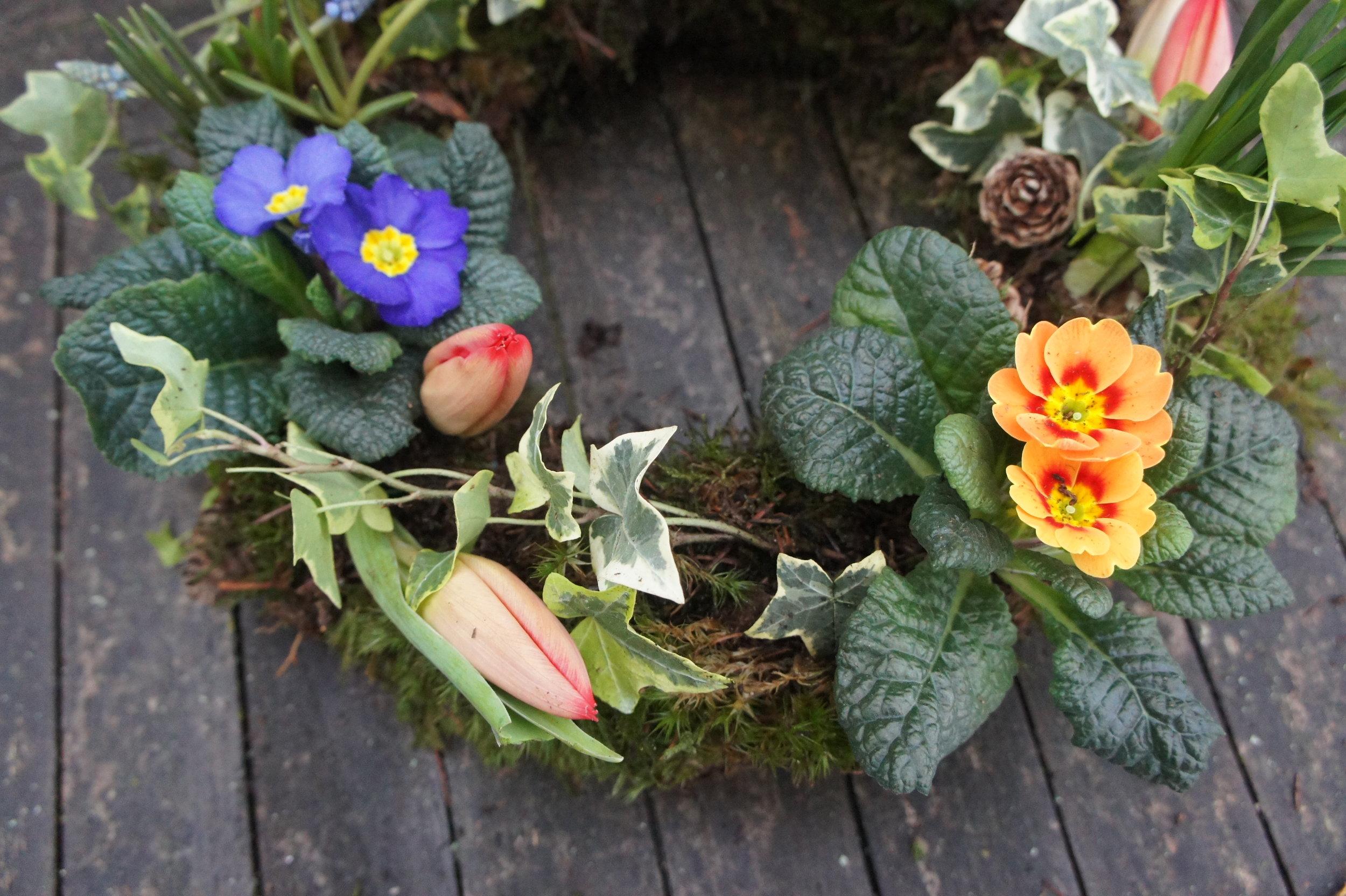 natural funeral flowers living wreath spring (2).JPG