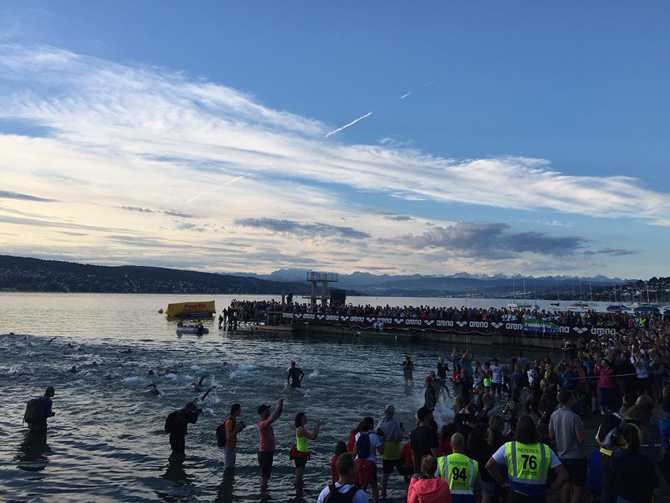 Ironman-Zürich-Schwimmstart.jpg