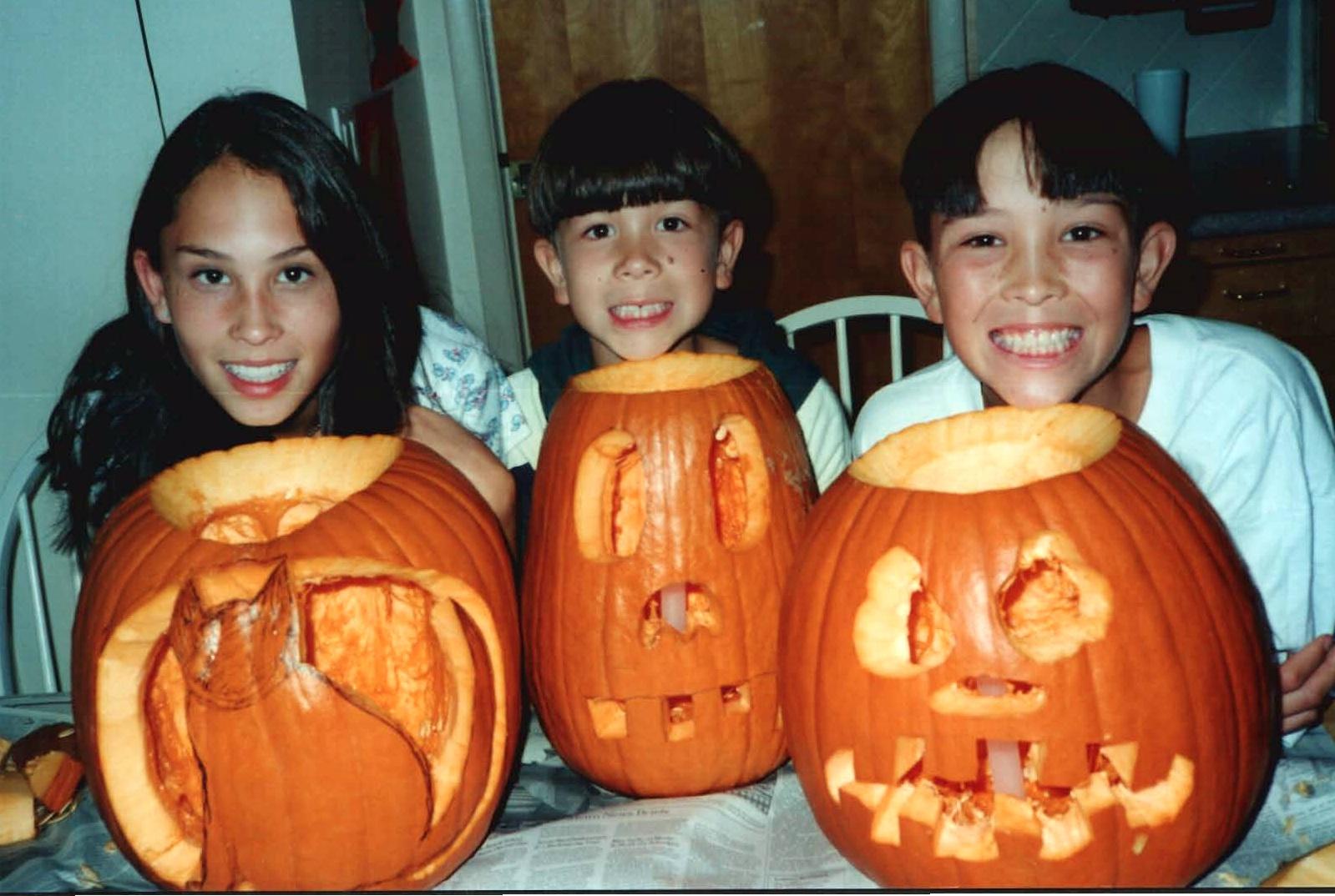 pumpkinsallkids.jpg