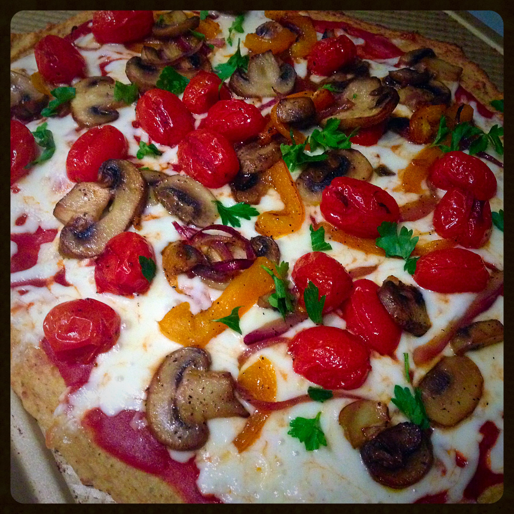cauliflower crust pizza with roasted veggies