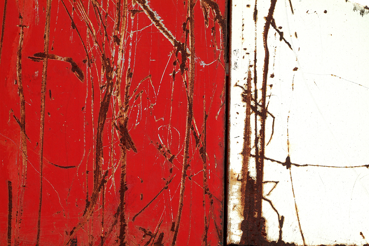 Entering the red room - 80 cm x 120 cm