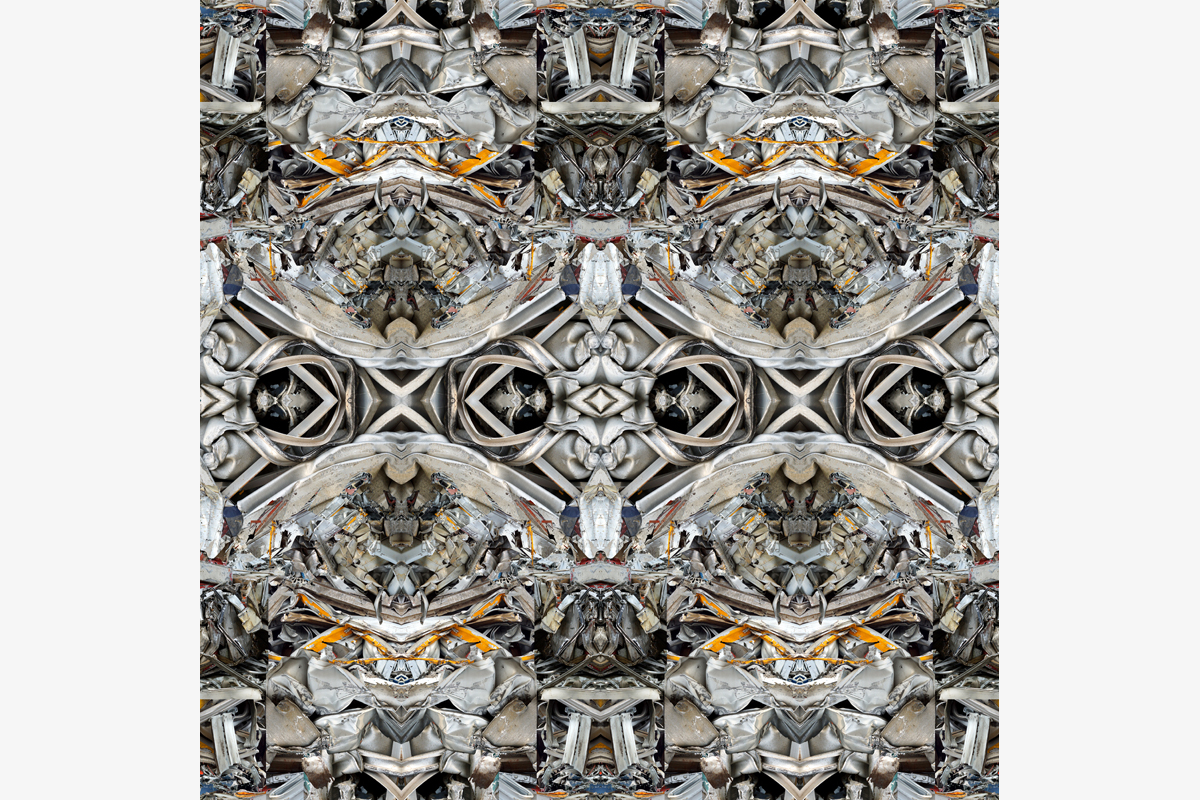 """Iron Cross & Gargoyles"" - 100 cm x 100 cm -"