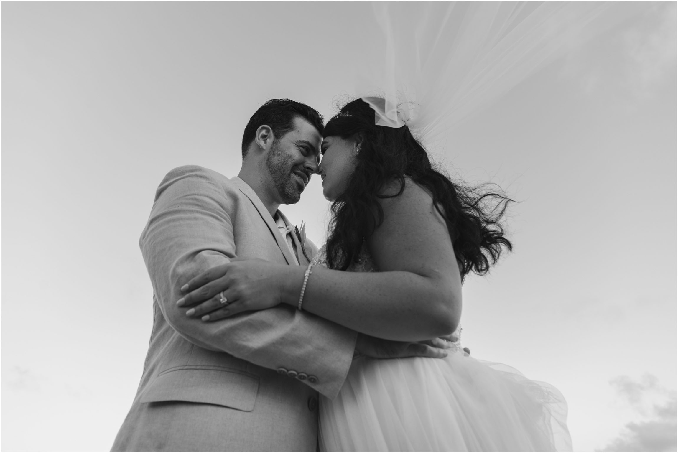 ©FianderFoto_Bermuda_Wedding Photographer_Hamilton_Princess_Brielle_Brandon_040.jpg