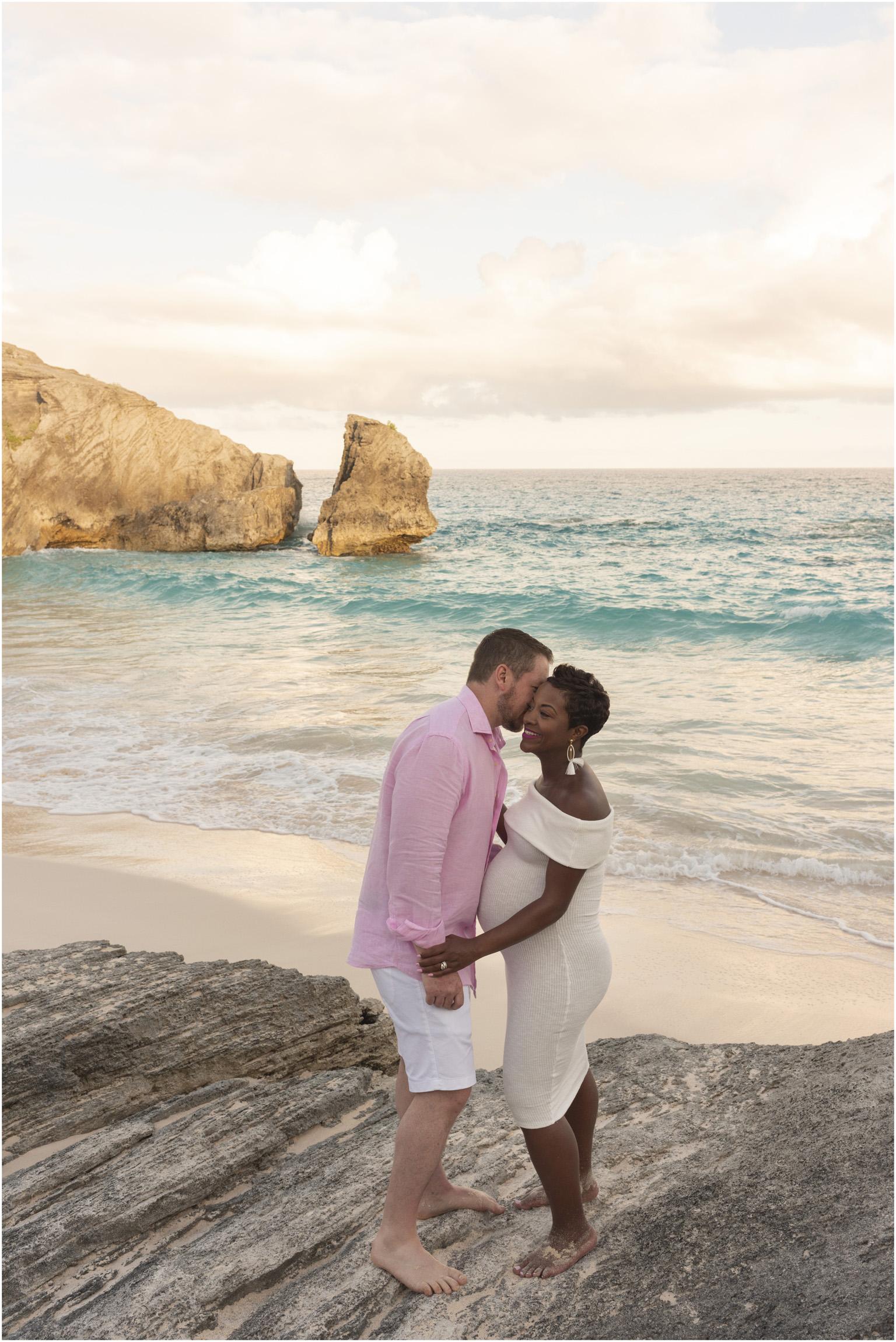 ©FianderFoto_Bermuda Maternity Photographer_Jennifer_Jonathan_027.jpg