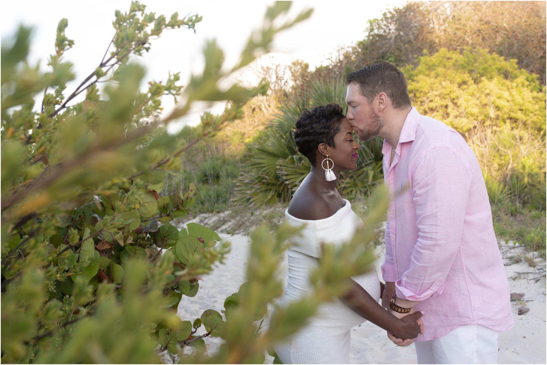 ©FianderFoto_Bermuda Maternity Photographer_Jennifer_Jonathan_032.jpg