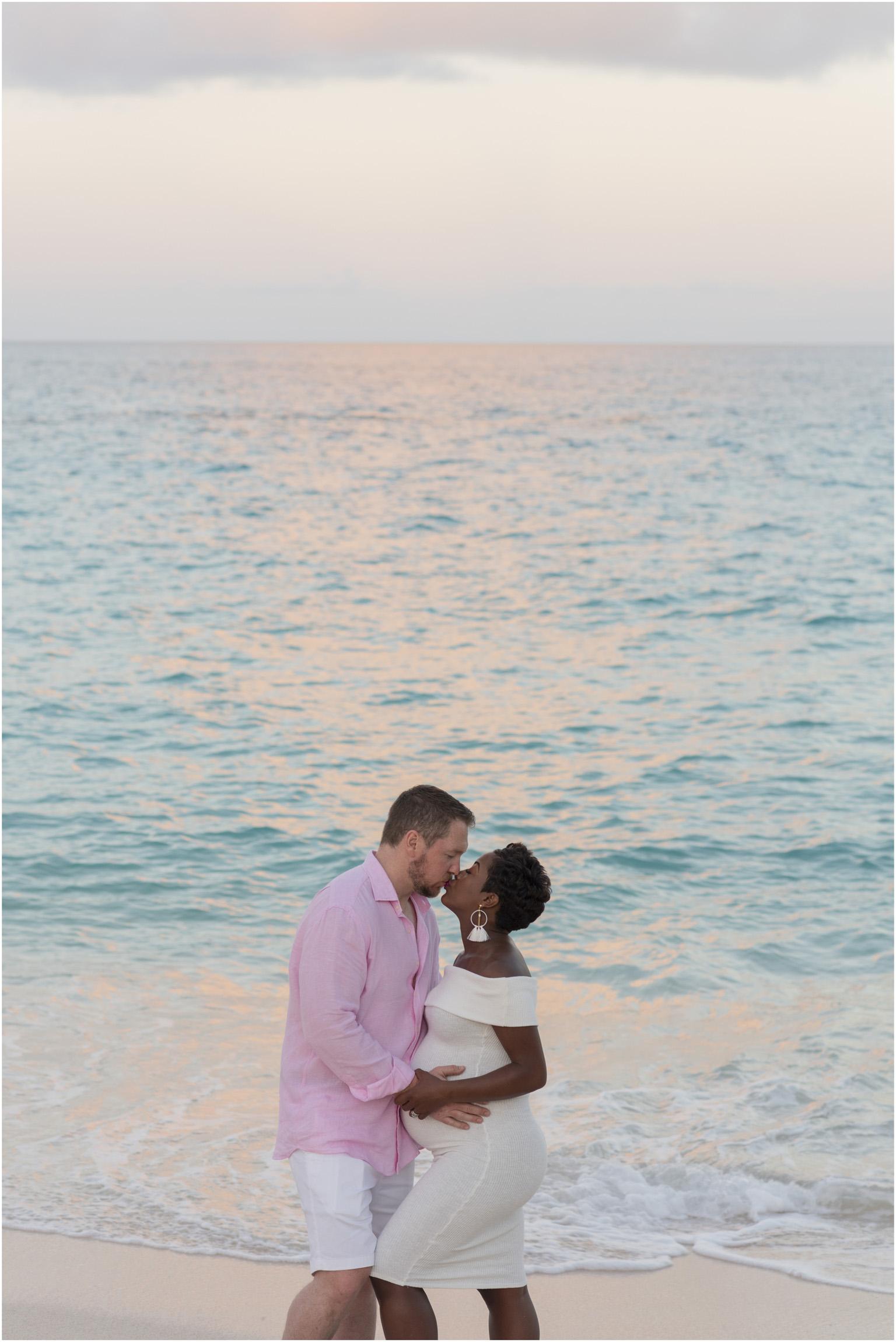 ©FianderFoto_Bermuda Maternity Photographer_Jennifer_Jonathan_045.jpg