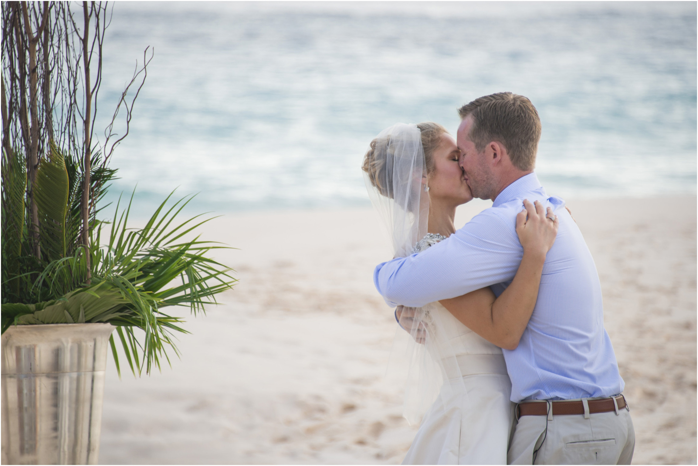 ©Fiander Foto_Bermuda Wedding Photographer_Tuckers Point_Mid Ocean_Amy_Tim_036.jpg