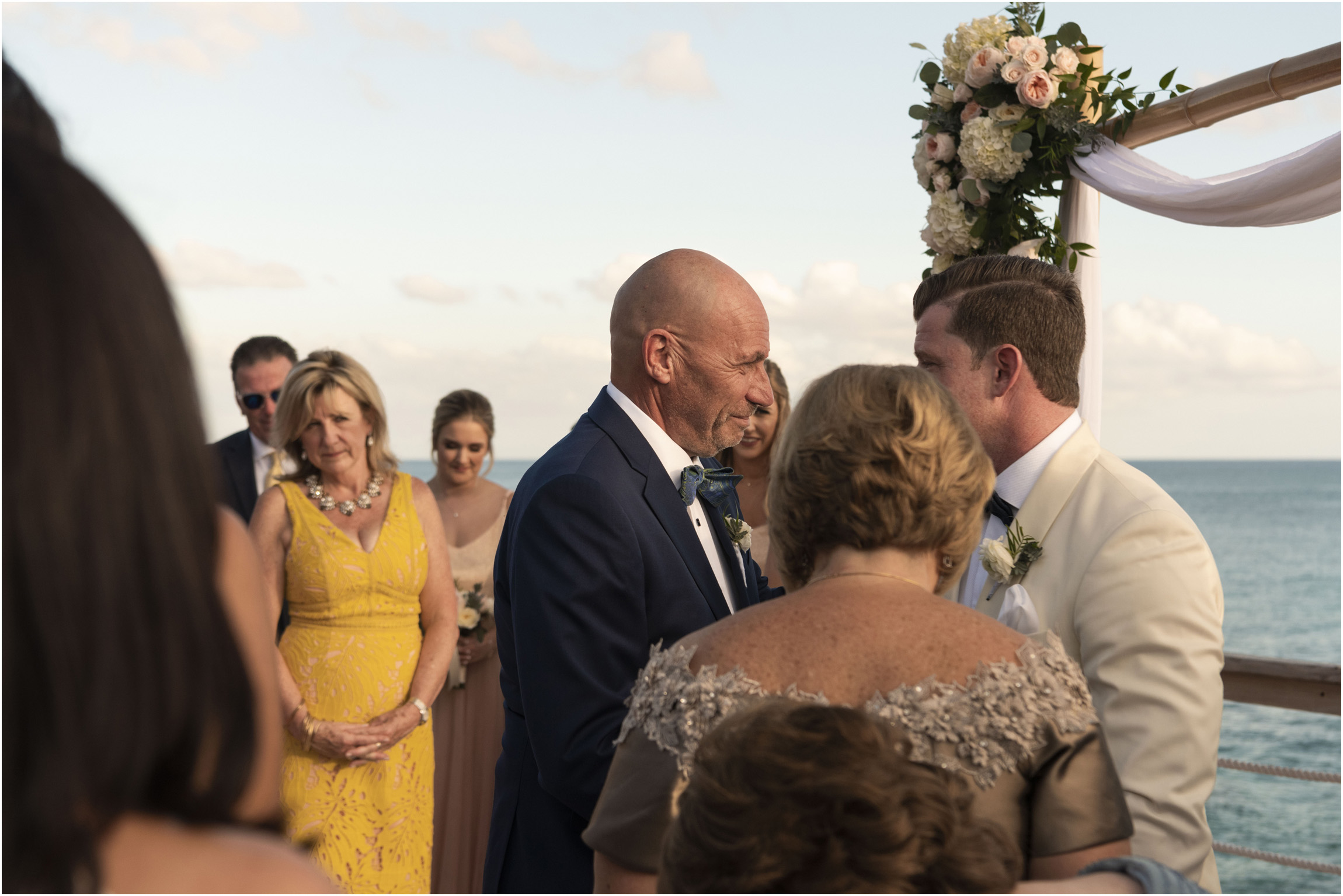 ©Fiander Foto_Bermuda Wedding Photographer_The Reefs_Taylor_Tedd_091.jpg