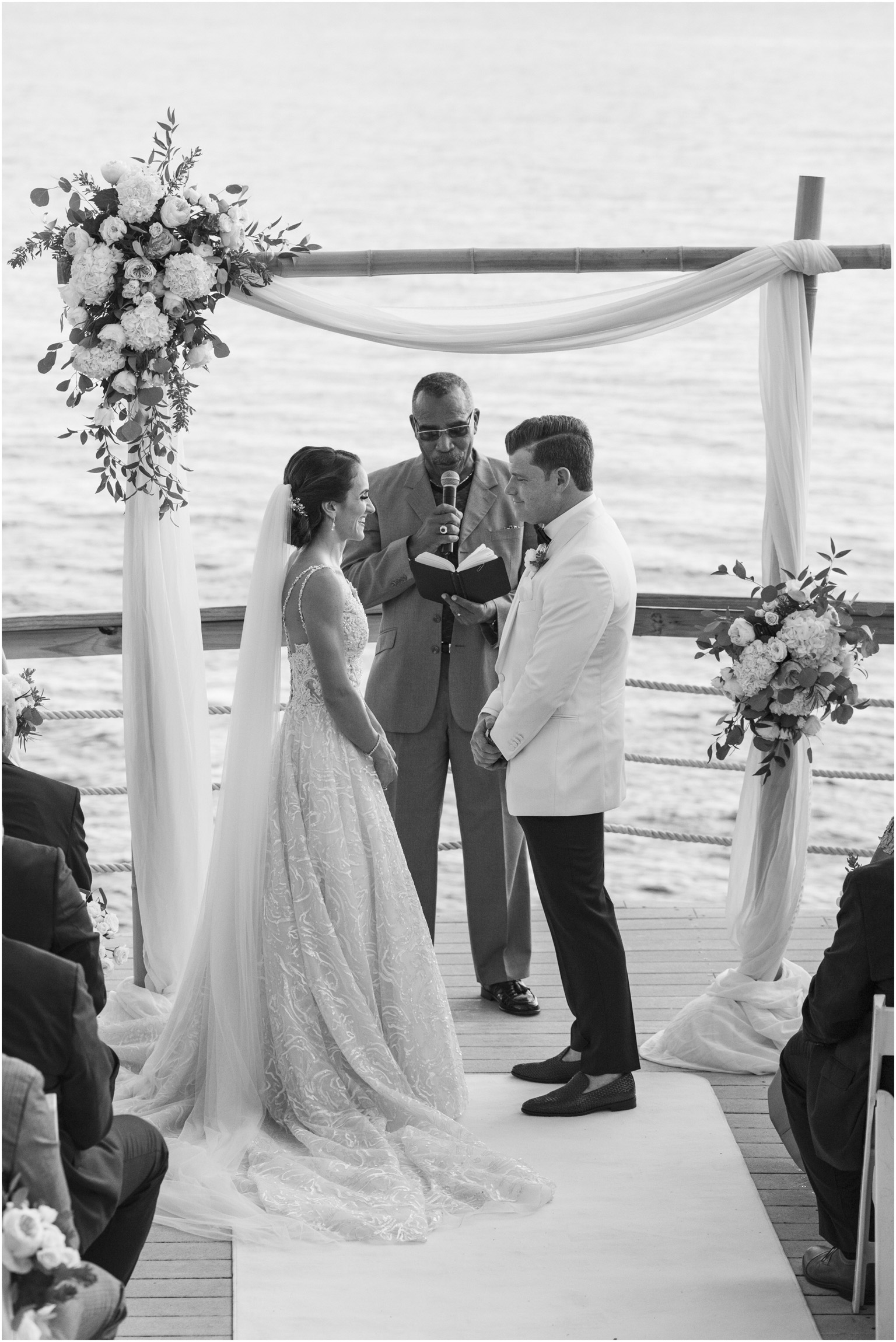©Fiander Foto_Bermuda Wedding Photographer_The Reefs_Taylor_Tedd_096.jpg