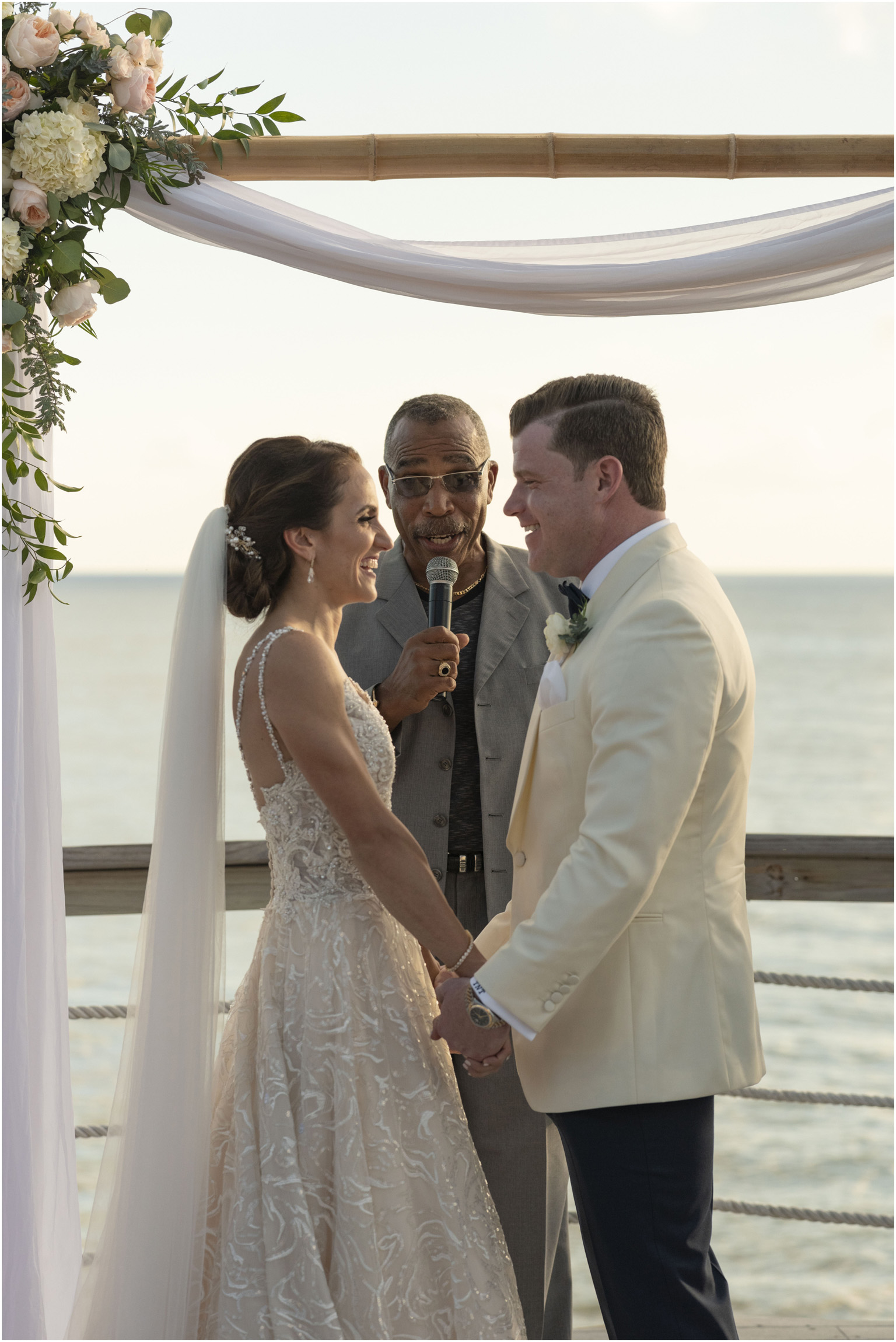 ©Fiander Foto_Bermuda Wedding Photographer_The Reefs_Taylor_Tedd_108.jpg