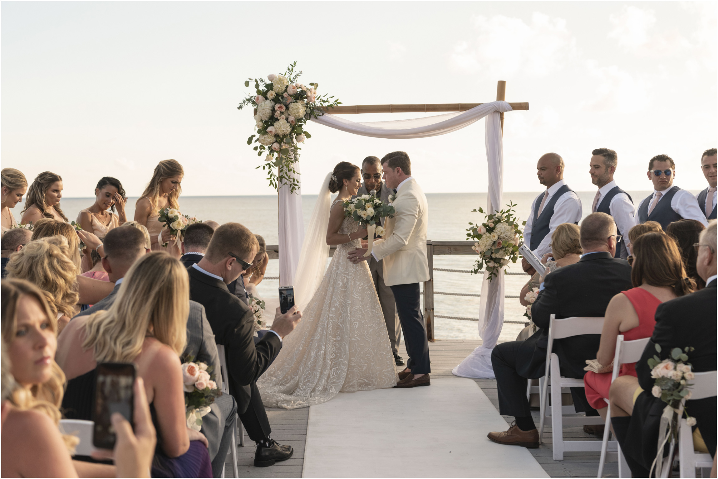 ©Fiander Foto_Bermuda Wedding Photographer_The Reefs_Taylor_Tedd_111.jpg