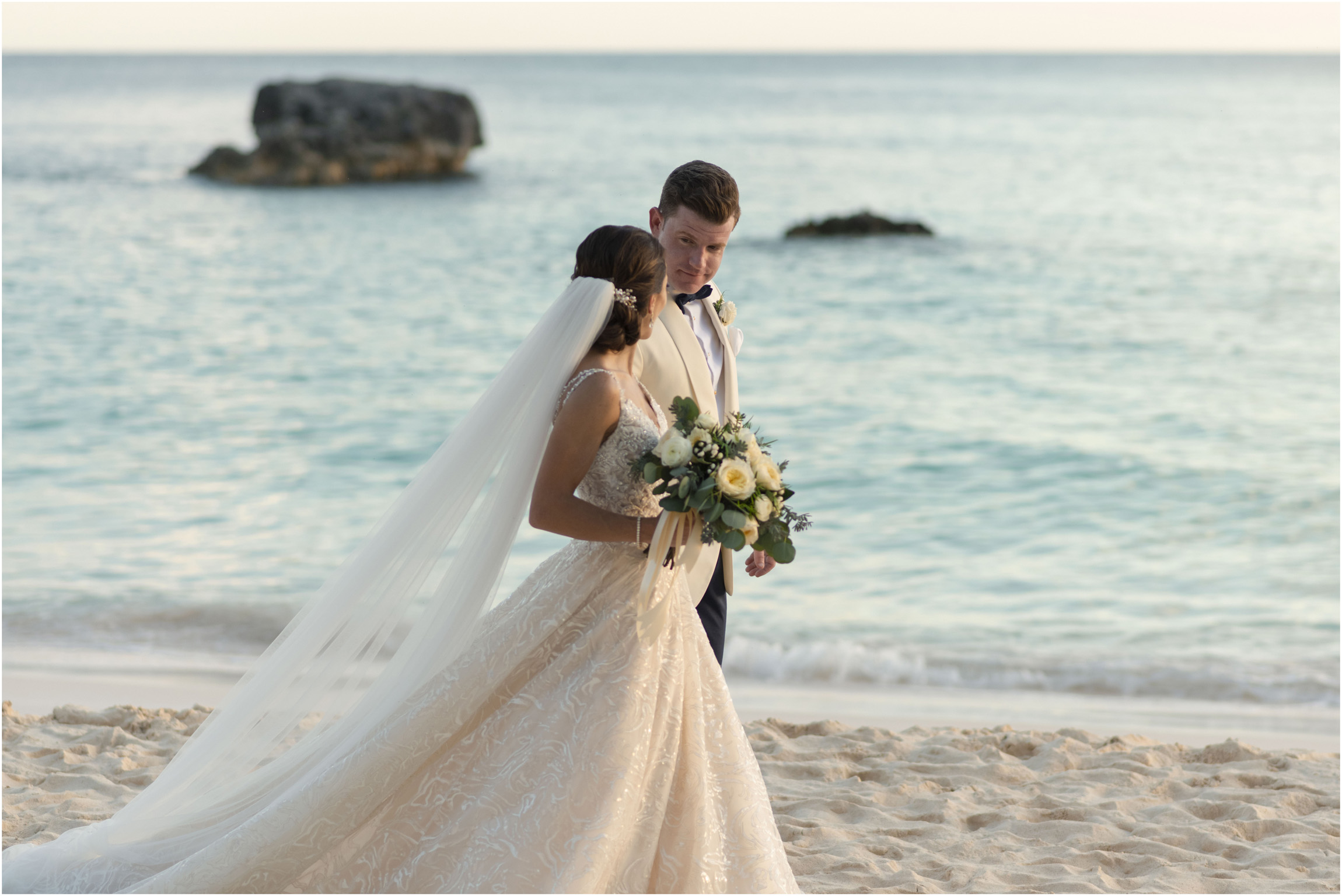 ©Fiander Foto_Bermuda Wedding Photographer_The Reefs_Taylor_Tedd_132.jpg