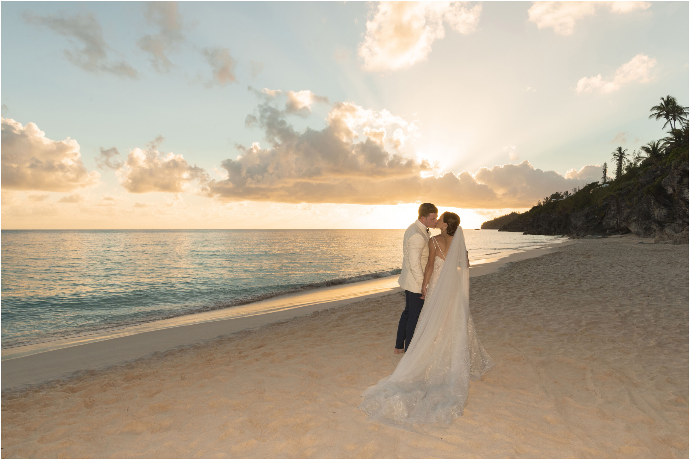 ©Fiander Foto_Bermuda Wedding Photographer_The Reefs_Taylor_Tedd_131.jpg