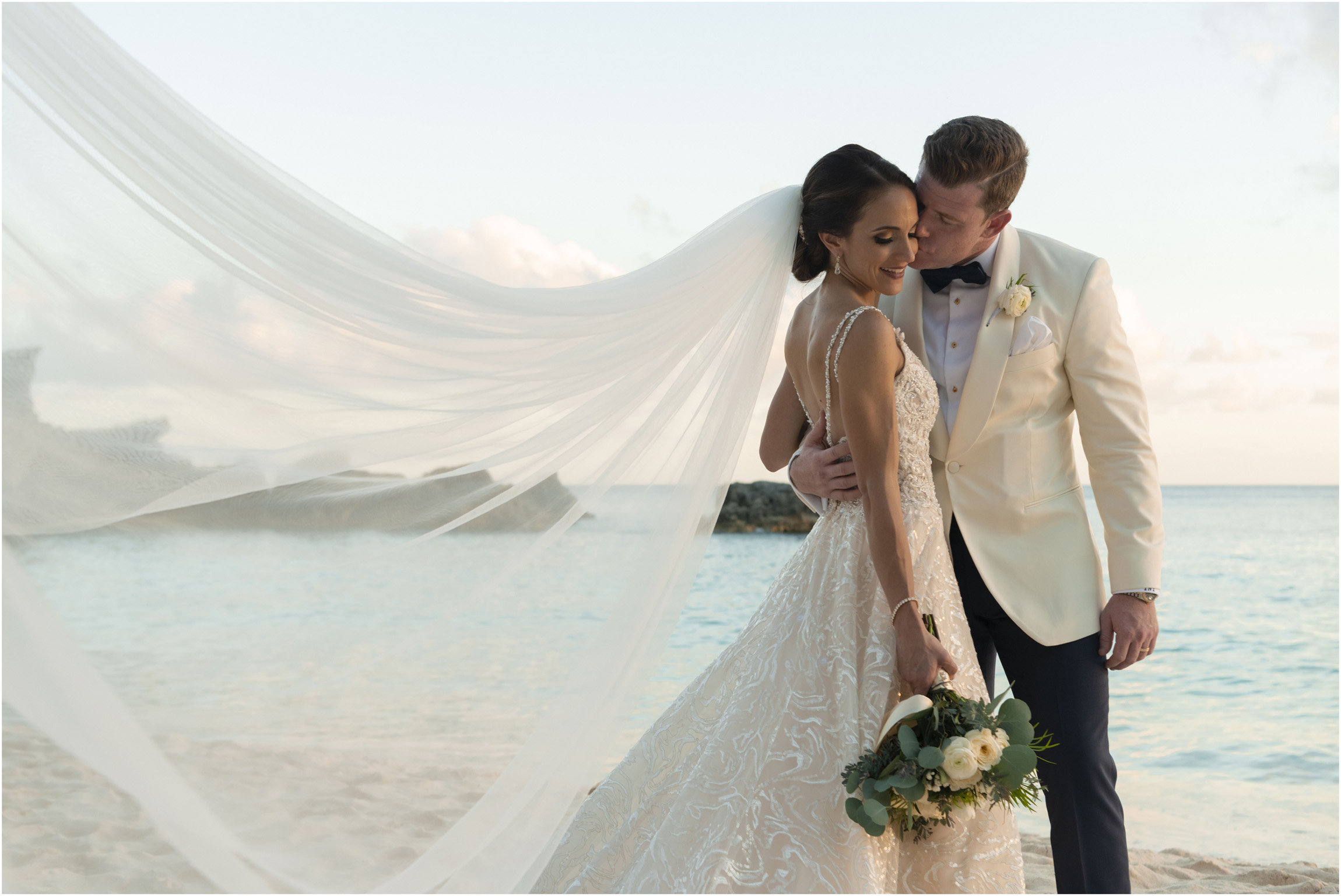 ©Fiander Foto_Bermuda Wedding Photographer_The Reefs_Taylor_Tedd_138.jpg