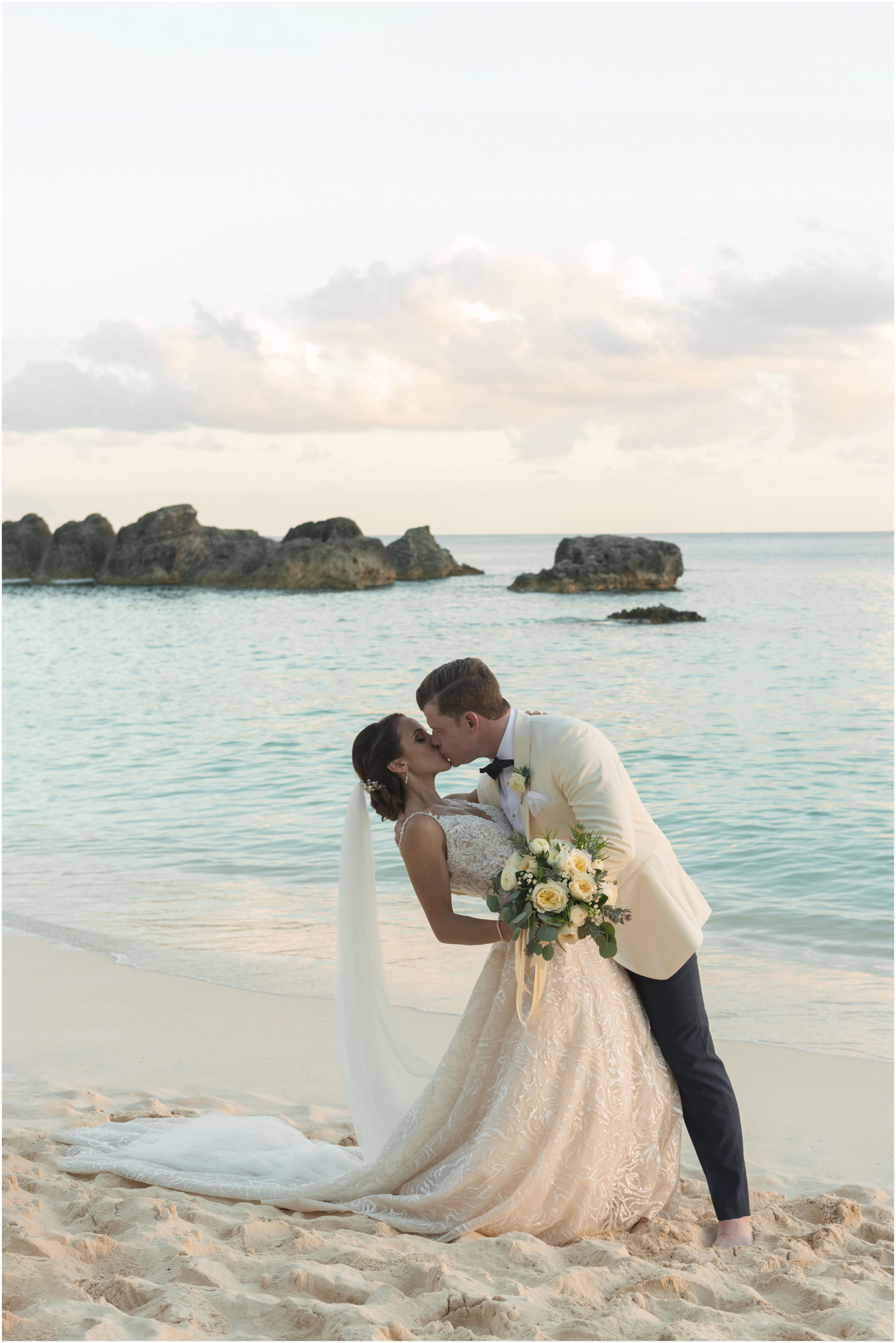©Fiander Foto_Bermuda Wedding Photographer_The Reefs_Taylor_Tedd_141.jpg