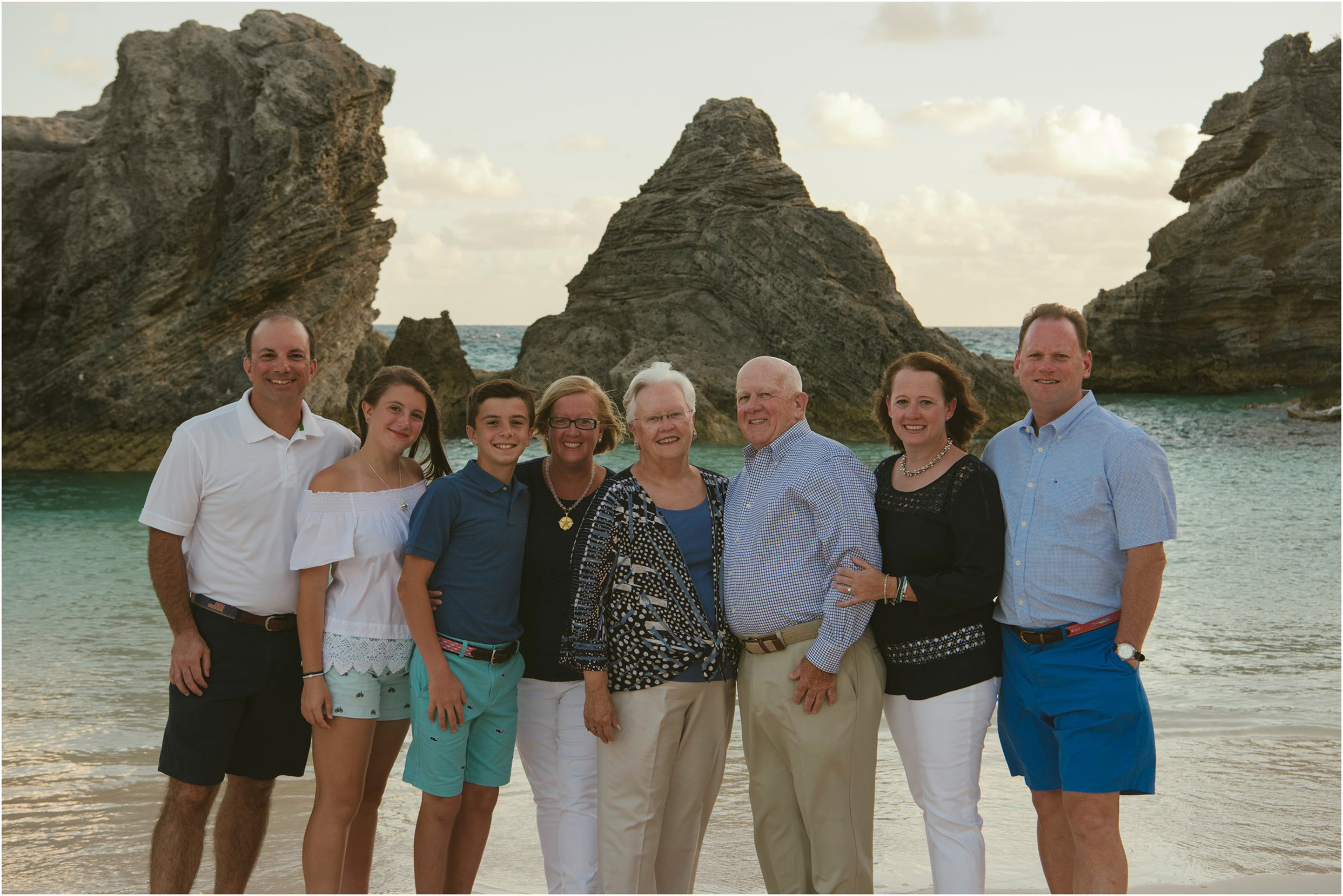 Fiander Foto_Bermuda Photographer_Horseshoe Bay Beach__Alicia's Family_001.jpg